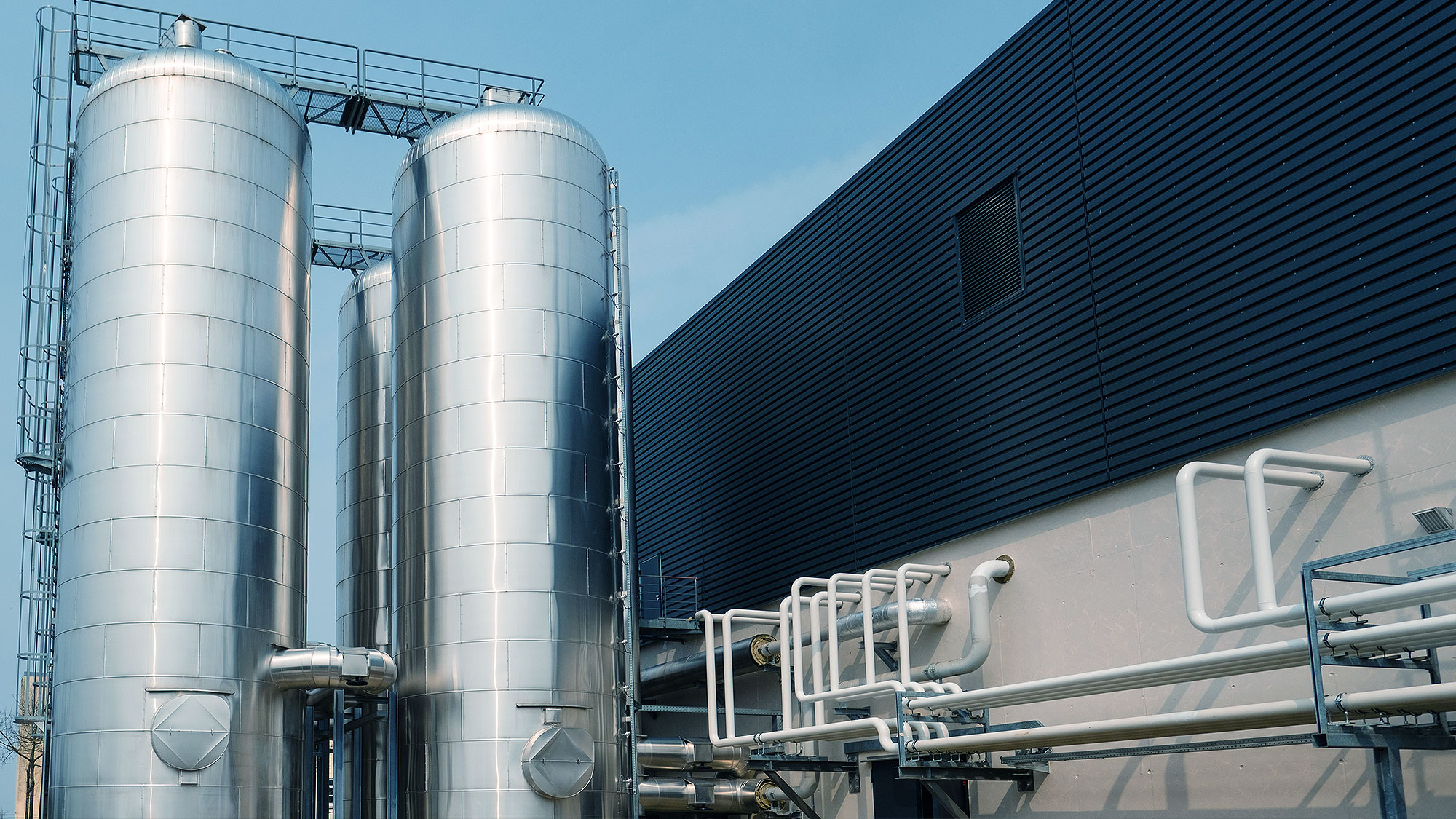 Outstanding: the storage towers of the combined heat and power (CHP) plant